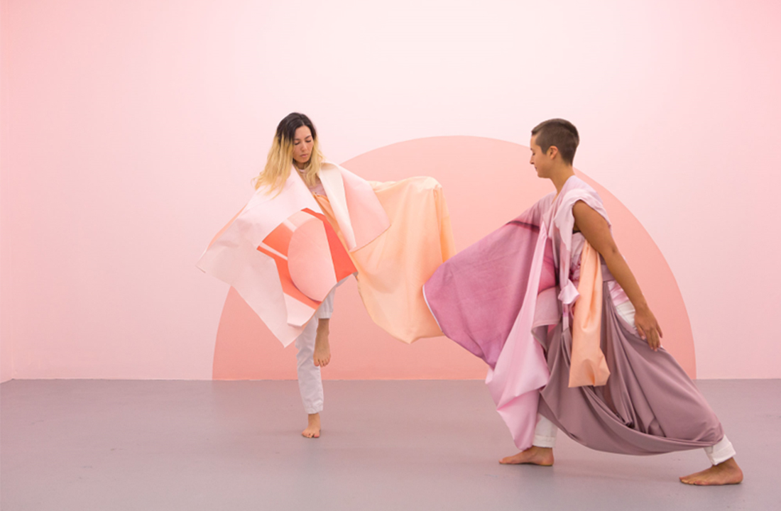 Rochelle Haley. 'Dance in the Gallery' (2017). Wall painting, costumes, movement research and dance improvisation performance, 20 mins duration. Dancers: Angela Goh and Ivey Wawn.